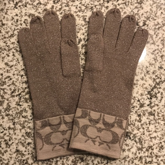cc426bdec Coach Accessories | Winter Gloves | Poshmark